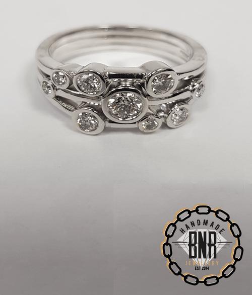 18ct WHITE GOLD DIAMOND SET BUBBLE RING - Set with .6 carats of VS diamonds