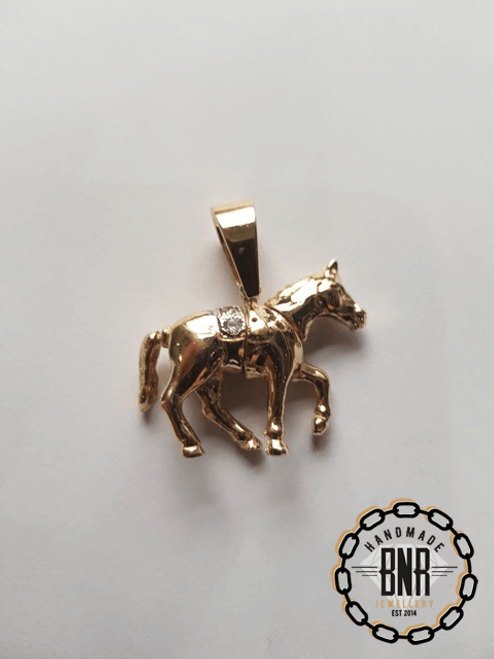 Moveable Horse Pendant 13 grams 34mm wide