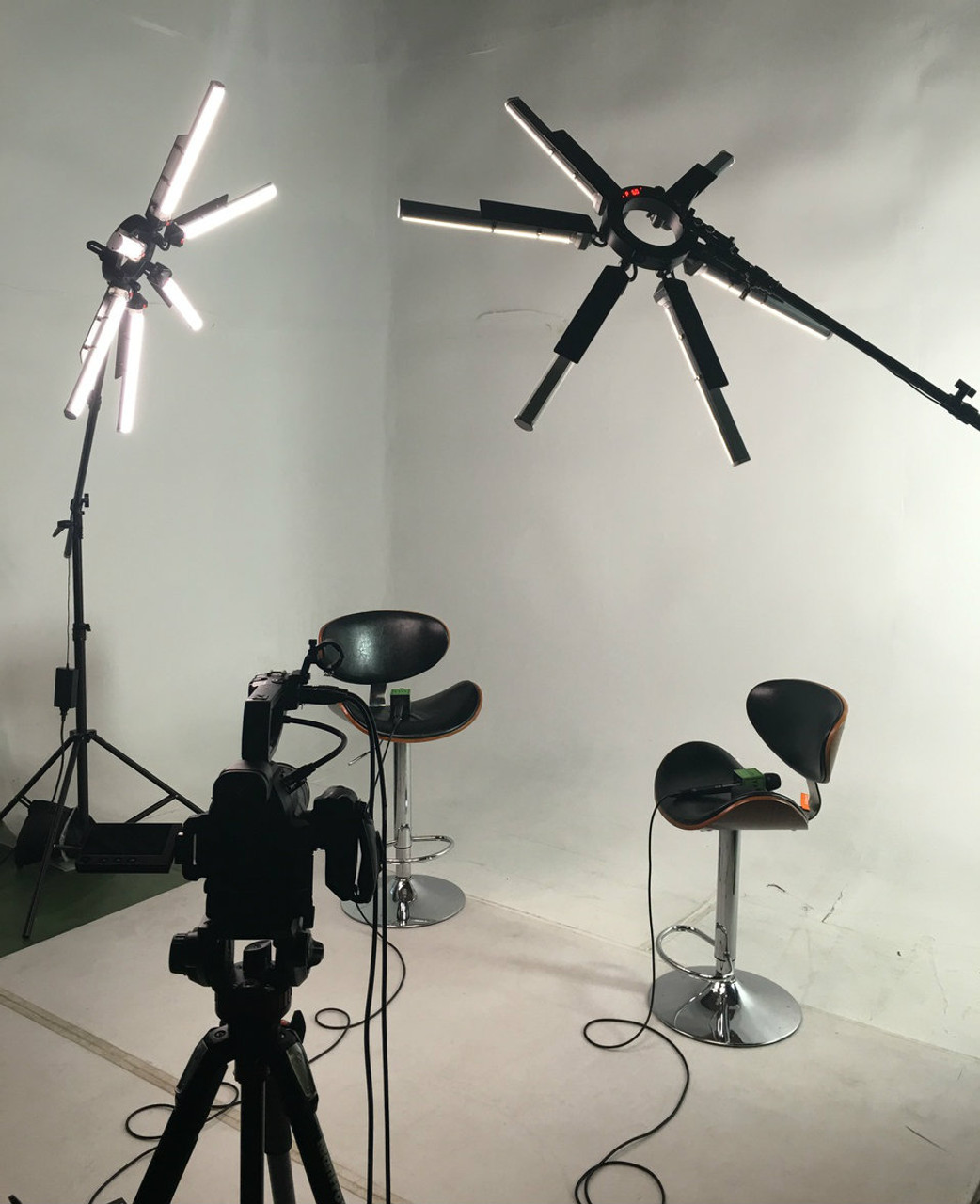 "Stellar SuperStar 36"" Radial Ring Light: Superb for portrait photography & video"