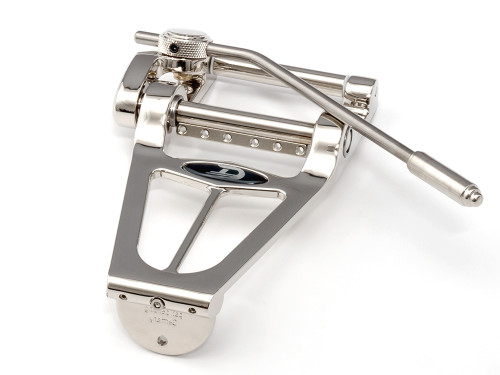 The new benchmark for classic tremolo systems - The Duesenberg Diamond Deluxe Tremola.  The Diamond Deluxe gives you best tone while being lightweight. Heavy duty needle and nylon bearings will give you the famous buttery and highly responsive Duesenberg feel when using the tremolo arm. The arm can be turned freely for 360°, allows you to set your preferred angle and can be removed within seconds just in case you don't need it sometimes. The strings are simply guided through the holes in the bar underneath the arm-axis and can be lead to the tuners without any hassle. The Diamond Deluxe has become a new standard for classic type tremolo systems and proves this on the stages of this world every day. (Version for righthand guitars) Please note: We recommend consulting a professional luthier for installation.