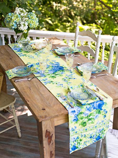 Lemon Cottage Rose Runner