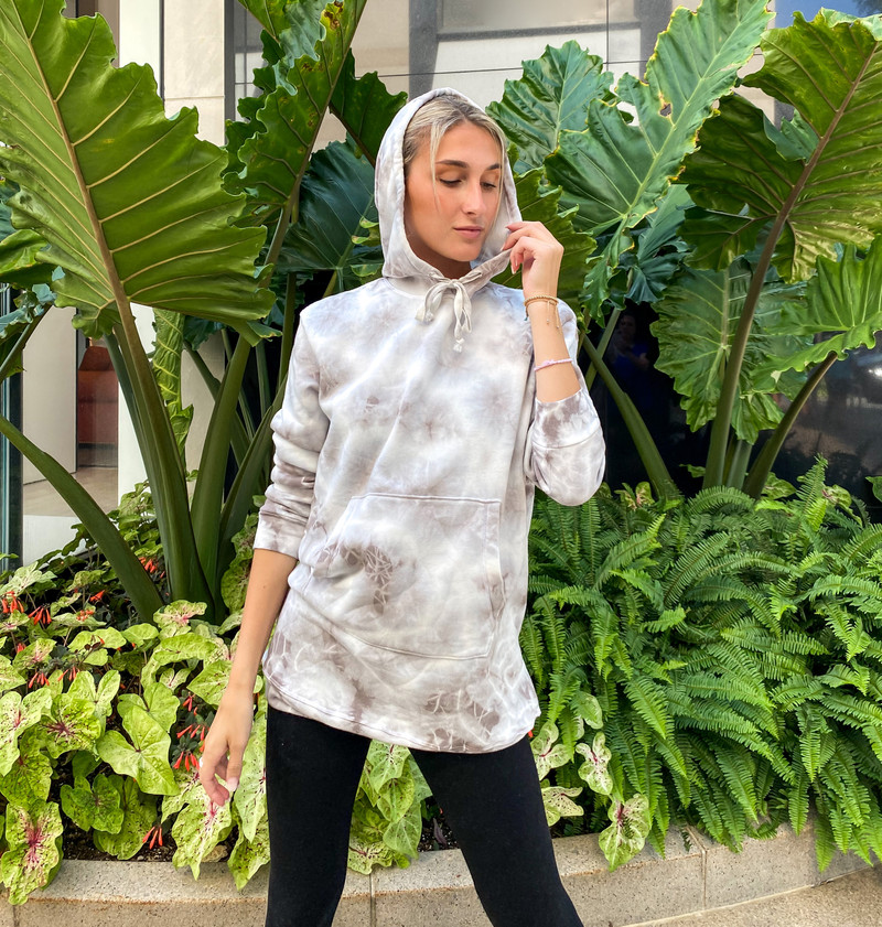 NATURAL TIE DYE LONG SLEEVE HOODED POUCH TUNIC