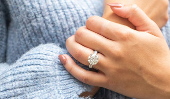 5 Times to Take Off Your Rings to Preserve Them