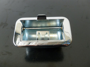 ASHTRAY CHROME BUS 55-67