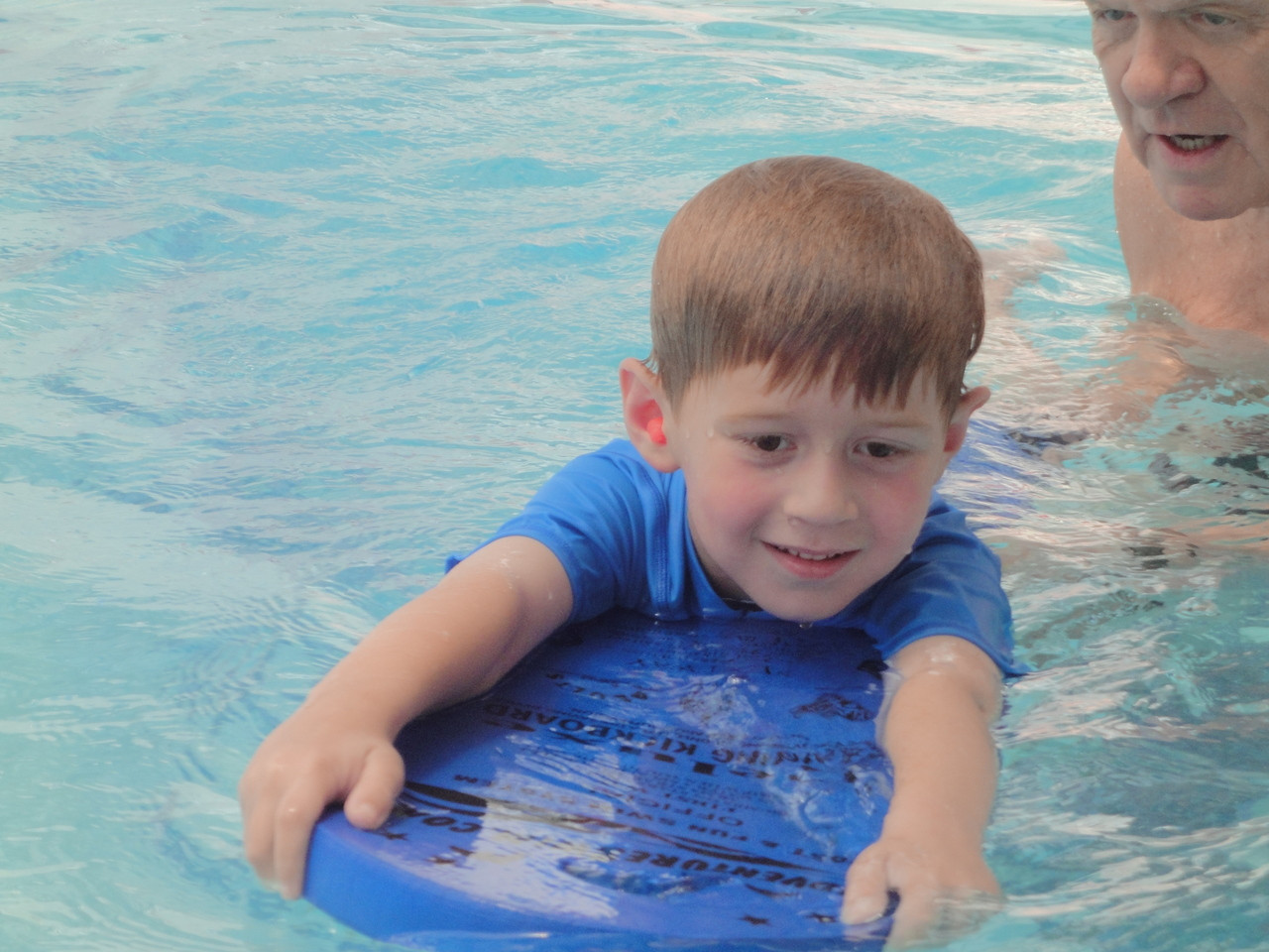 Designed to encourage children to use straight arms to hold on, which is excellent practice for actual arm strokes in swimming. The Deluxe Kickboard gives the children the confidence they need to progress to the next level - the Speed Board.