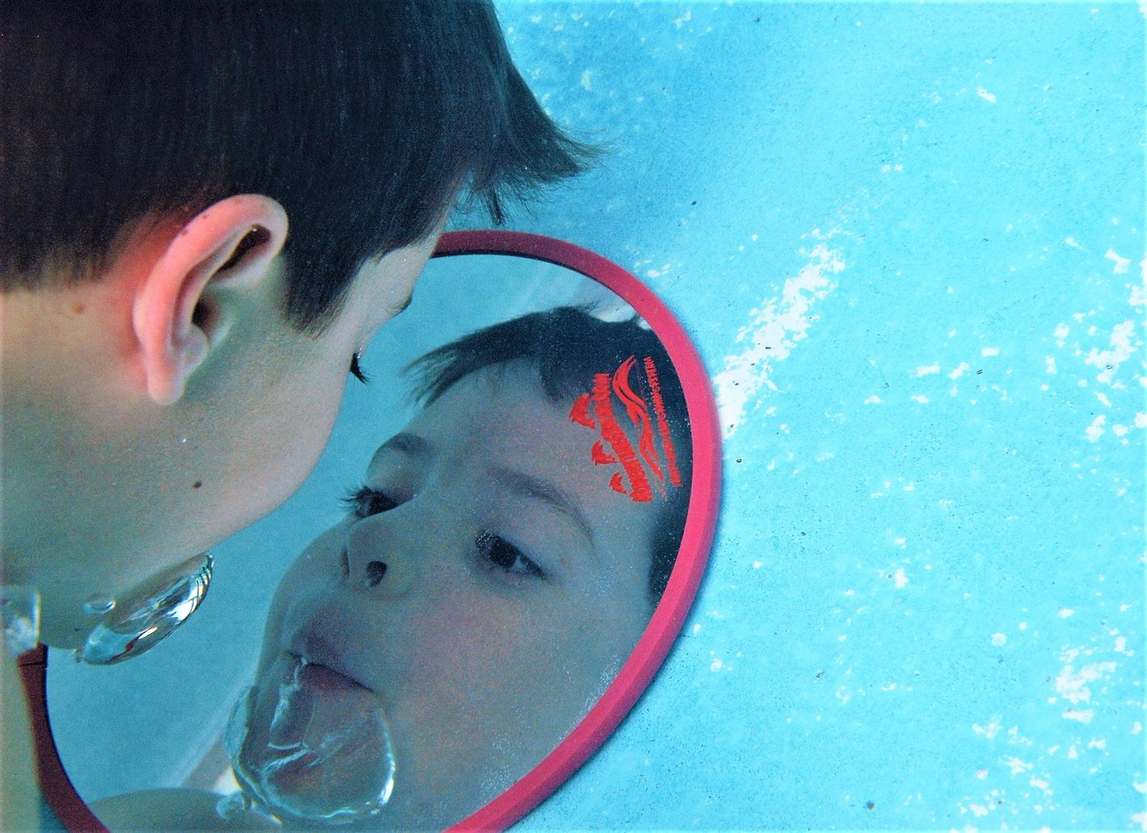 "CIRCULAR 18"" Fun Mirror™ Patented"