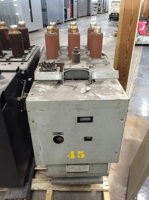 AM-4.16-250-4 GE Magne-Blast 2000A 4.76KV Air Circuit Breaker