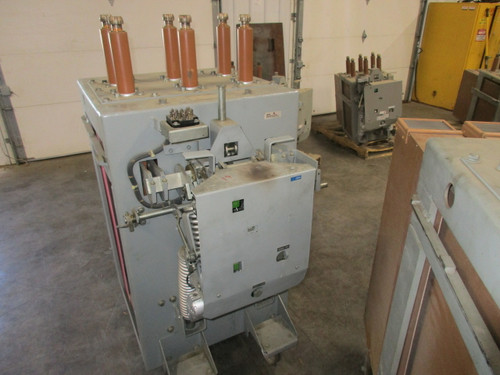 AM-13.8-750-3H GE Magne-Blast 1200A 15KV Air Circuit Breaker
