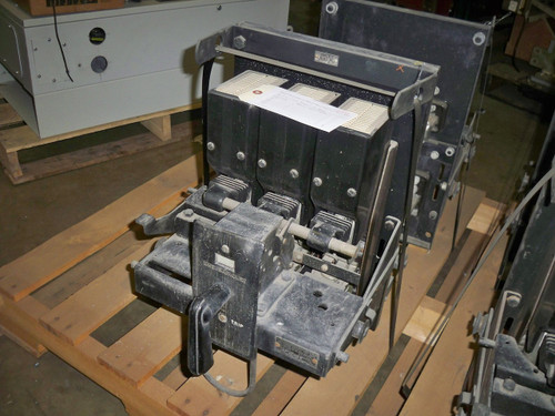DB-25 Westinghouse 600 Amp MO/DO I Air Circuit Breaker