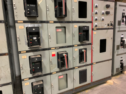 GE AKD-8 3200A Main W/Dist. Switchgear Lineup (#221) FOR PARTS