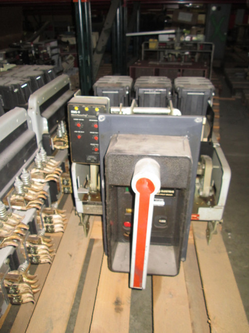 AKR-7D-50 GE 1600A MO/DO LIG Air Circuit Breaker
