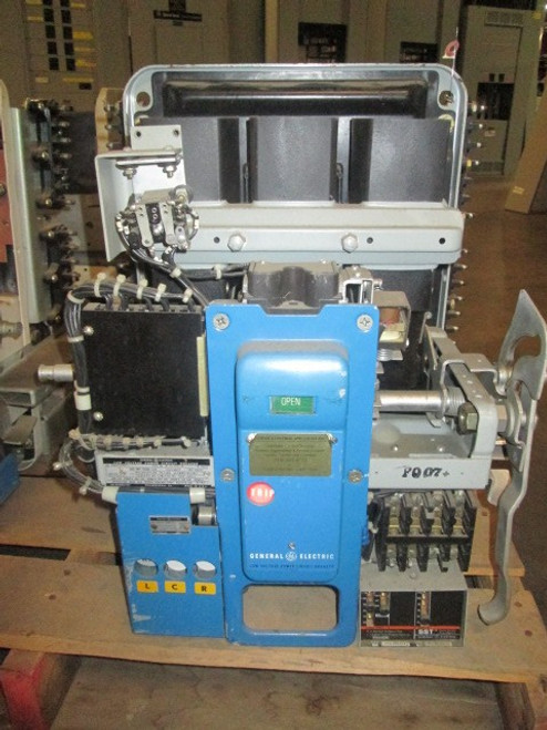 AKU-5-25-E GE 600A EO/DO 800A Fuses LI Air Circuit Breaker