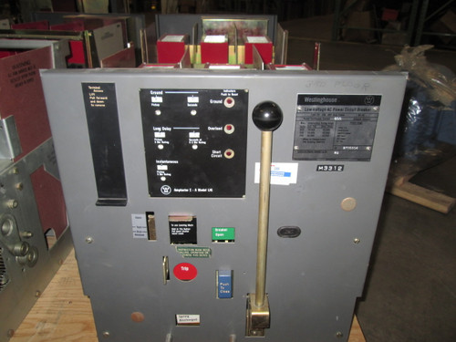 DS-206 Westinghouse 800A MO/DO LIG Air Circuit Breaker W/Broken Insulator Barrier