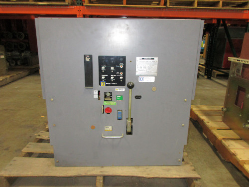 DS-840 Square D 4000A EO/DO LSI Air Circuit Breaker (Broken Seconary Disconnect)