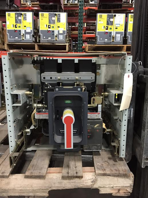 AKR-7D-30S GE 800A MO/DO LI Air Circuit Breaker W/Cell