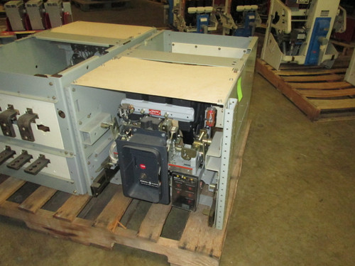 AKR-7D-30S GE 800A EO/DO LIG Air Circuit Breaker W/Cell