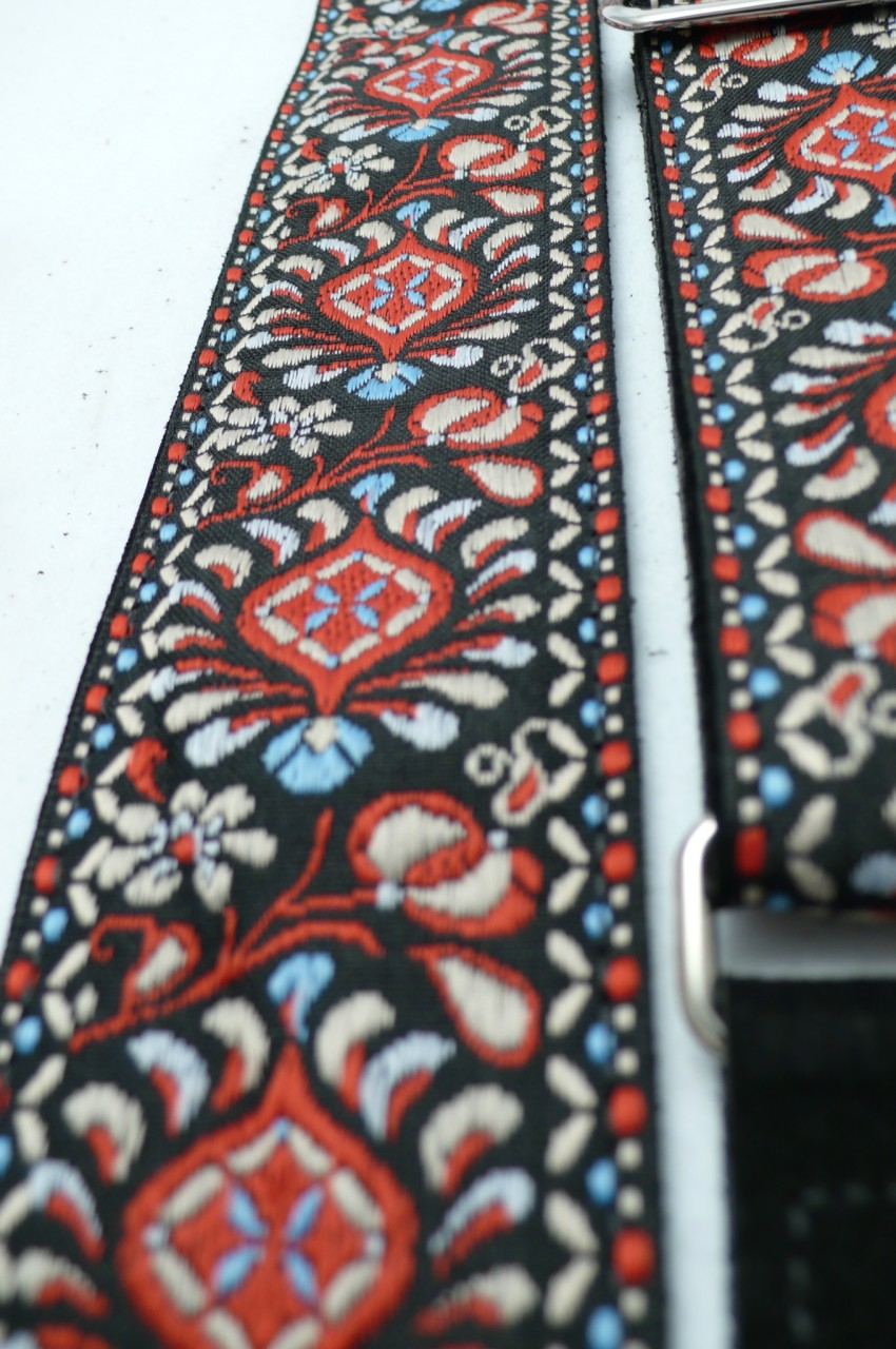 """Gaucho Woven Jacquard Flower Style Guitar Strap Green//Orange//Red 2/"""" Wide"""