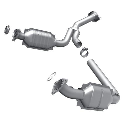 Magnaflow 49194 | CADILLAC ESCALADE, CHEVROLET TAHOE/AVALANCHE/SUBURBAN 1500/SILVERADO 1500, GMC YUKON/YUKON XL 1500/SIERRA 1500 | 4.8L/5.3L/6L | Driver Side | Catalytic Converter-Direct Fit | OEM Grade EPA