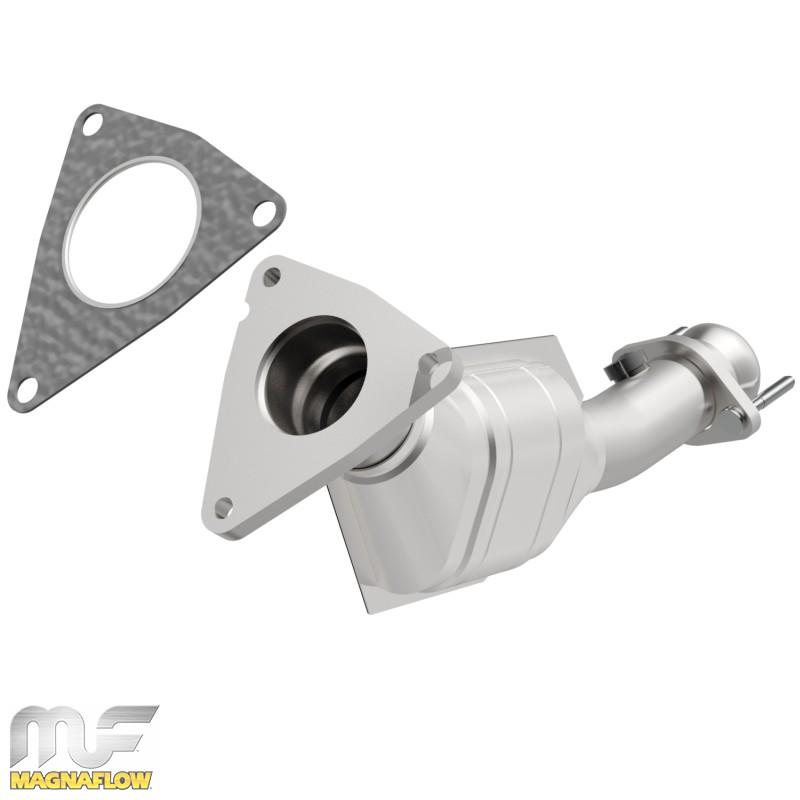 CARB compliant MagnaFlow 448477 Direct Fit Catalytic Converter
