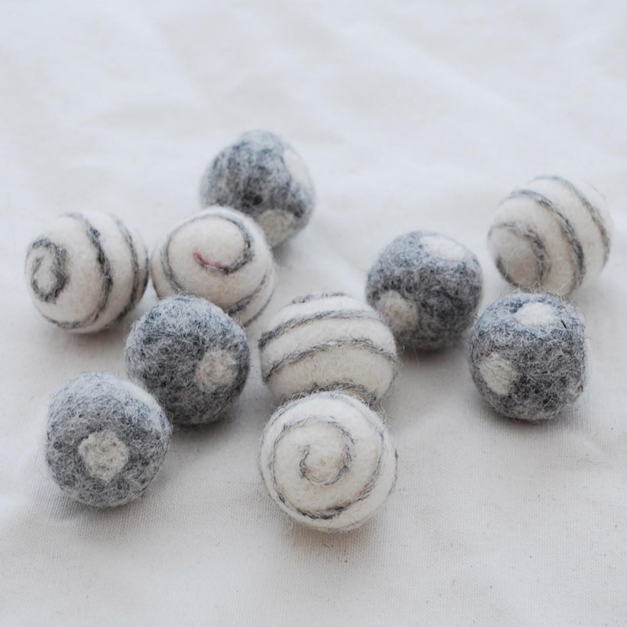 2.5cm 10 Swirl // Polka Dots Felt Balls Light Latte 100/% Wool Felt Balls