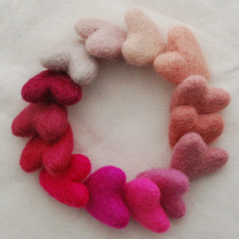 100% Wool Felt Hearts - 14 Count - approx 3cm - Pink Colours