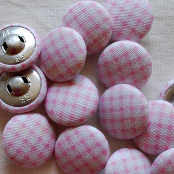 100 Fabric Covered Buttons - Gingham - 2cm - Pink