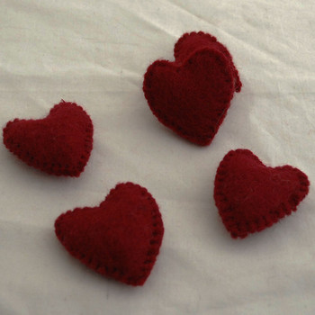 100% Wool Felt Fabric Hand Sewn / Stitched Felt Heart - 4 Count - approx 5.5cm - Light Wine Red