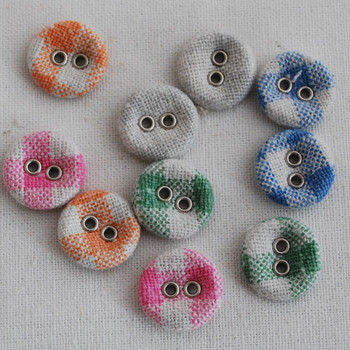 100 Assorted Fabric Covered Eyelet Buttons - Gingham - 15mm