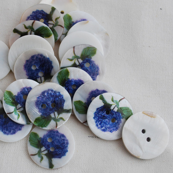5 Natural Shell Buttons - Hydrangeas Flower - 2.5cm
