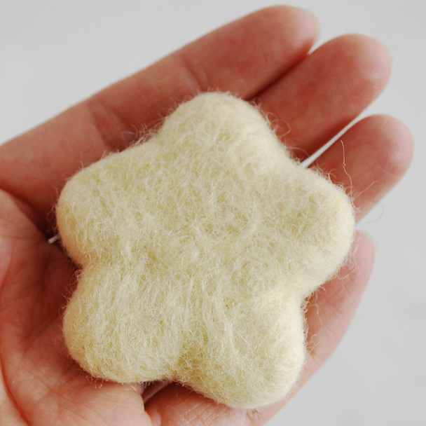 100% Wool Felt Flower - 5cm - Cream - 5 Count