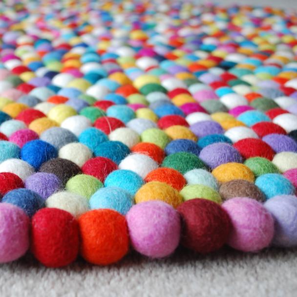 100% Wool Felt Ball Rug - Round - Handmade - 100cm in Diametre - Multi-Coloured 02