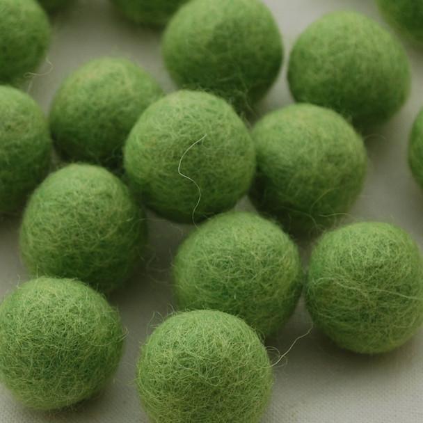 100% Wool Felt Balls - 10 Count - 2.5cm - Grass Green