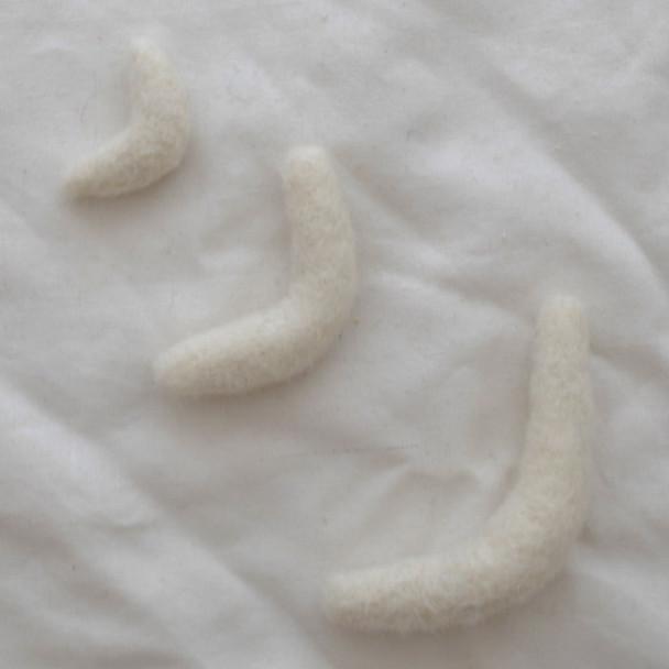 100% Wool Felt Moons - 3 Count - Ivory White - 1 felt moon per 4cm, 6cm, 8.5cm sizes