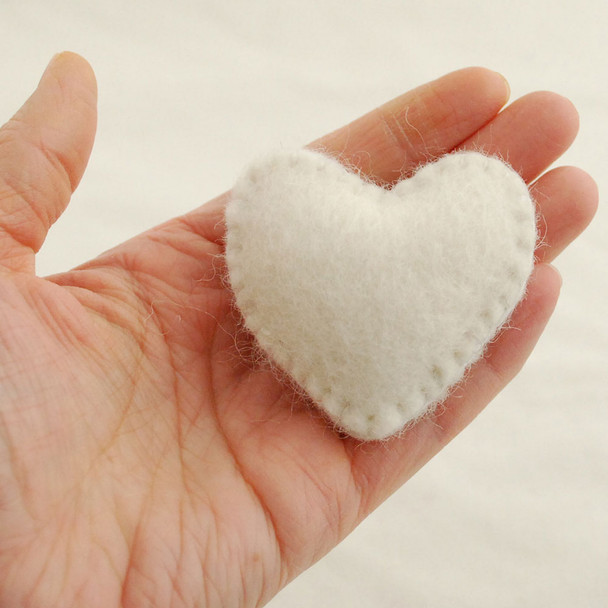 100% Wool Felt Fabric Hand Sewn / Stitched Felt Heart - 2 Count - approx 5.5cm - Ivory White