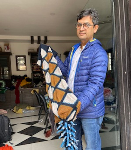 Bandhani with Jabbar Khatri: An ancient way of making pattern on cloth.
