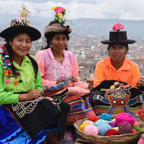 Llapanmaki Weaving & Embroidery Ayacucho, Peru