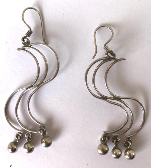 "Handmade Silver Long Curved Earrings Peru (1"" wide x .2"" long)"