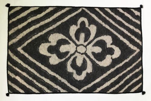 """Handmade Wool Felt  Rug Diamond Afghanistan (30"""" x 48"""")"""