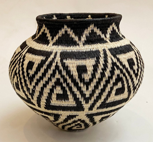 "Handmade Natural Fiber Wounaan Basket Black and White Panama  (4.5"" wide x  4""tall)"