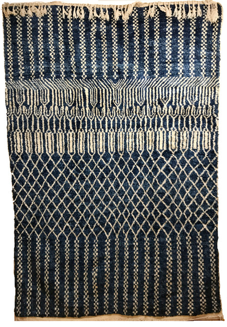 Handwoven and Hand Knotted Wool Rug Morocco (6.6 x 9.75 ft) natural wool fleece and indigo blue