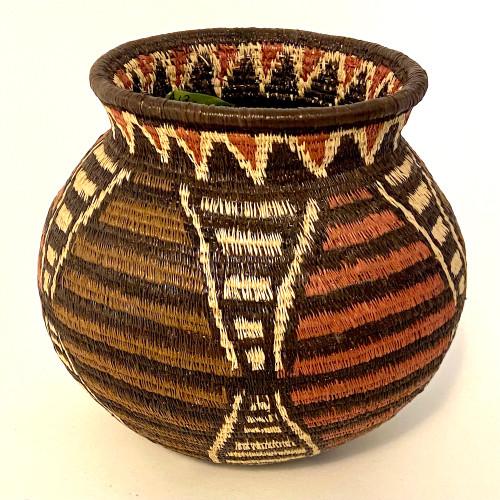 "Handmade Natural Fiber Wounaan Basket Medium Panama  (5.25"" tall x  6""wide) light tan, red brown, cocoa and black"