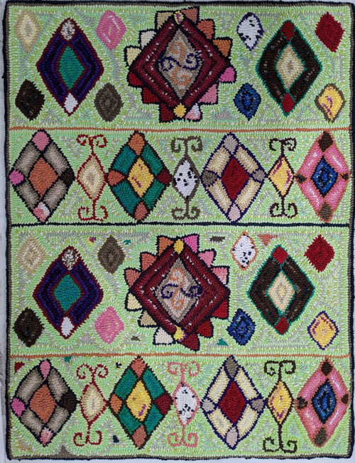 "Handmade Hooked Medium Rug Recycled Clothing by Gloria Guatemala (24"" x 32"") geometric design"