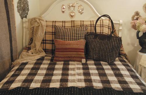 """Handwoven Handspun Woolen Blanket Guatemala (65"""" x 88"""")"""