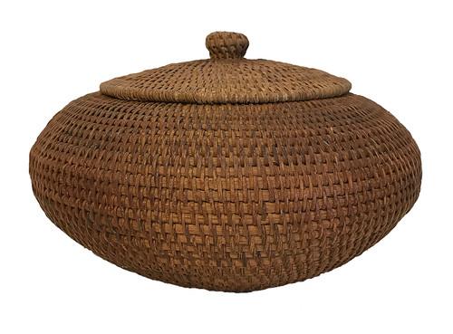 "Handmade Vintage Lidded Basket Indonesia 2 (6"" high x 8""wide)"
