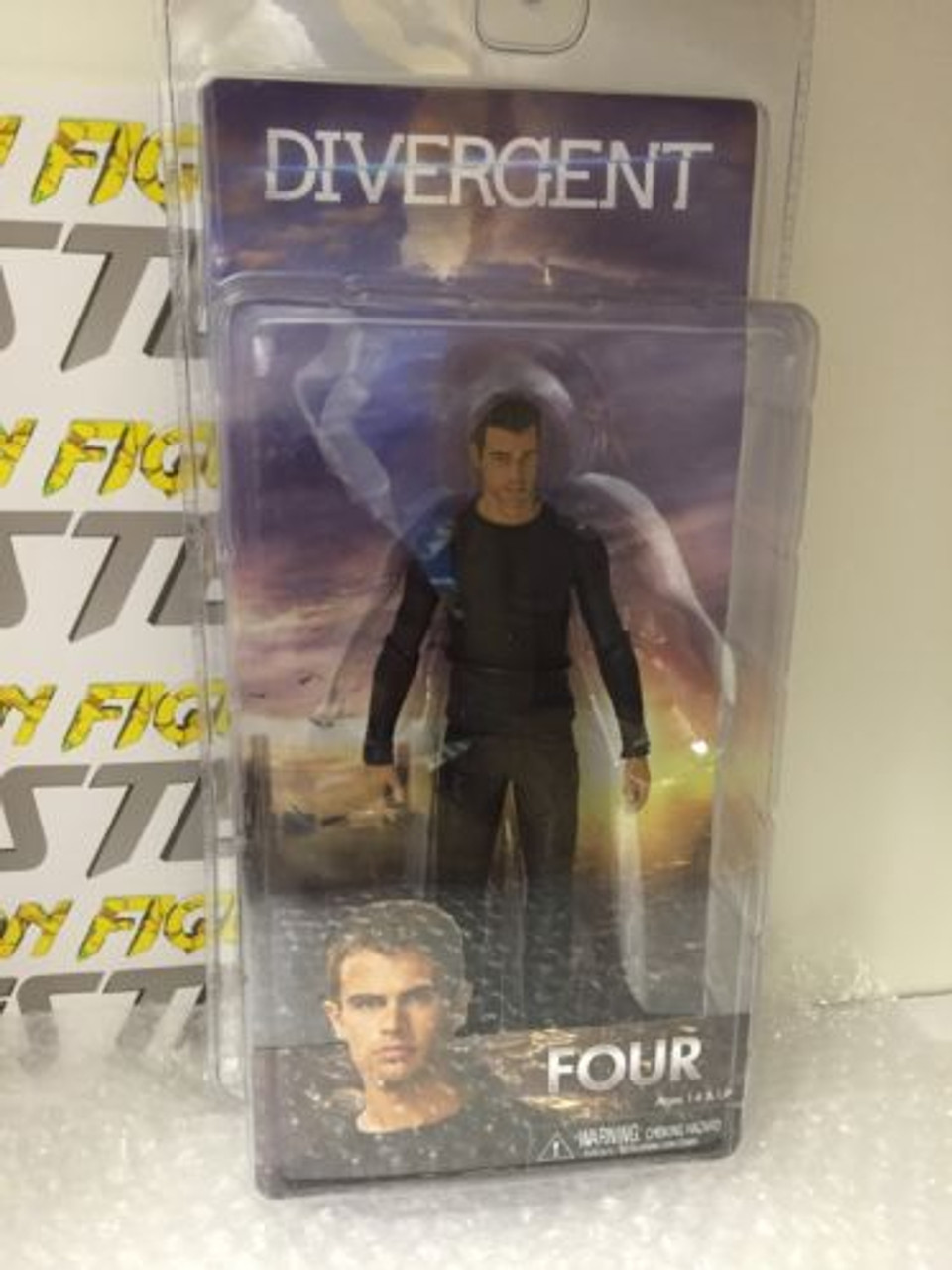 "Neca Divergent Movie Series 1 quatre 7/"" Scale Action Figure"