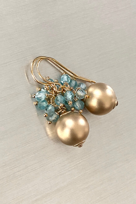 Appatite spray with Matte gold Earrings