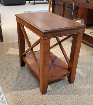 Amish Chairside Table in Brown Maple