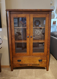 Amish Solid Quartersawn Oak Display Cabinet Heirloom Quality High End Custom Furniture