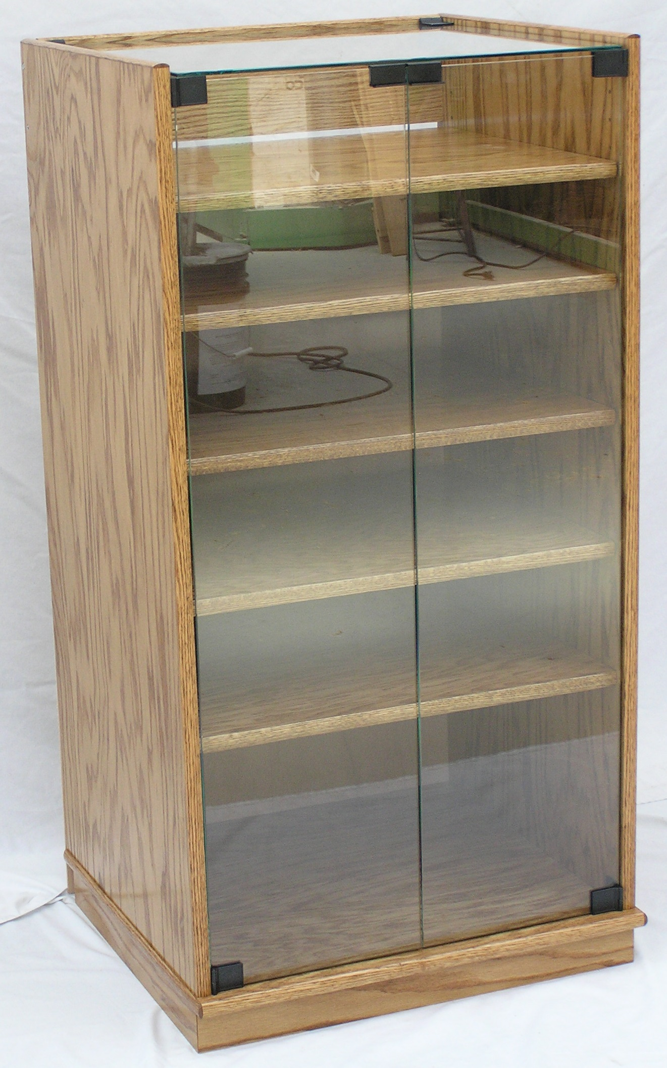 glass-top-stereo-cabinet-002.jpg