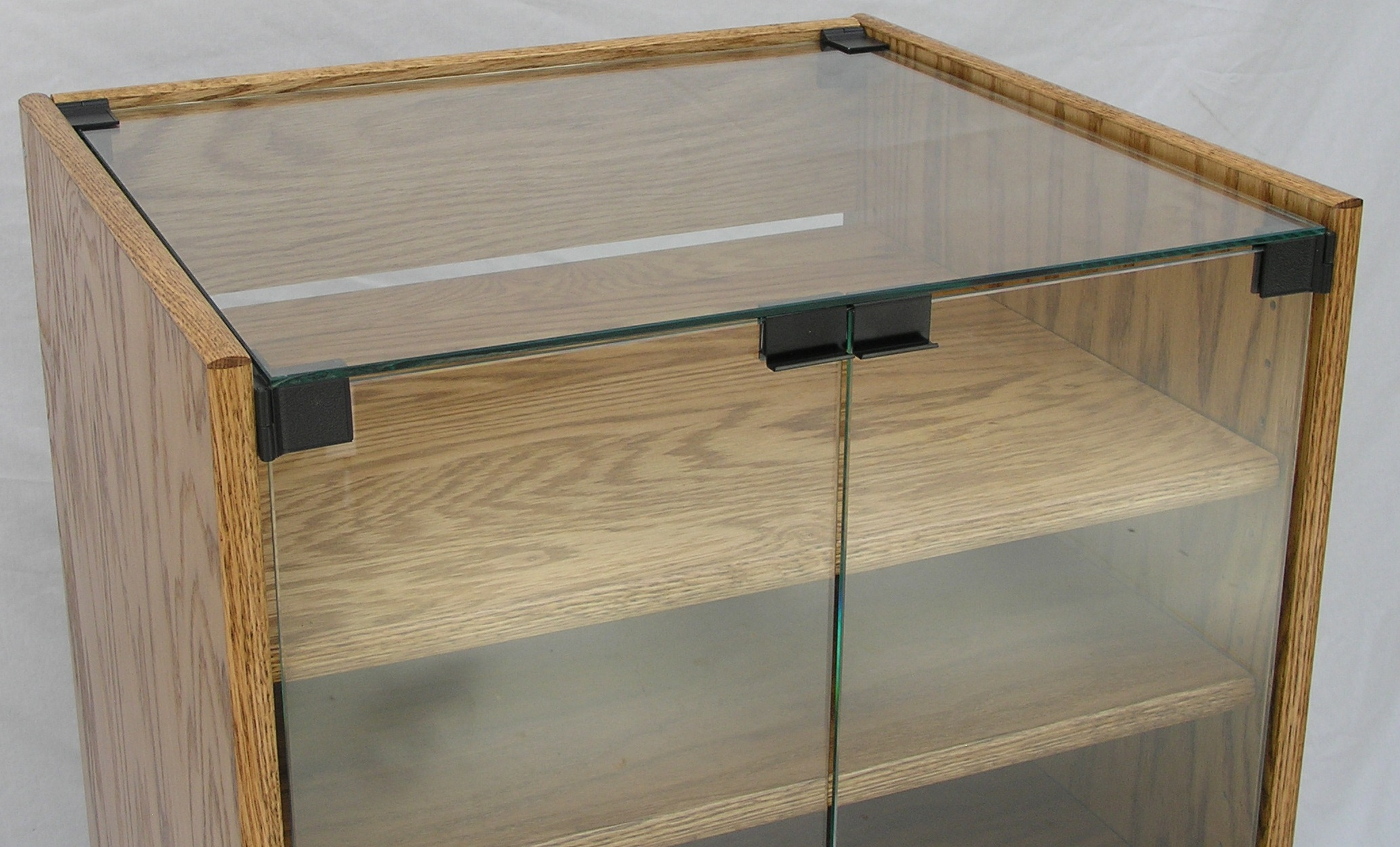 glass-top-stereo-cabinet-004.jpg